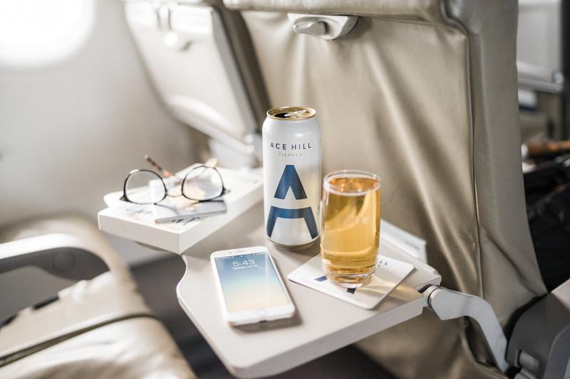 Un nouveau partenariat pour les services offerts gratuitement en vol (Groupe CNW/Porter Airlines Inc.)