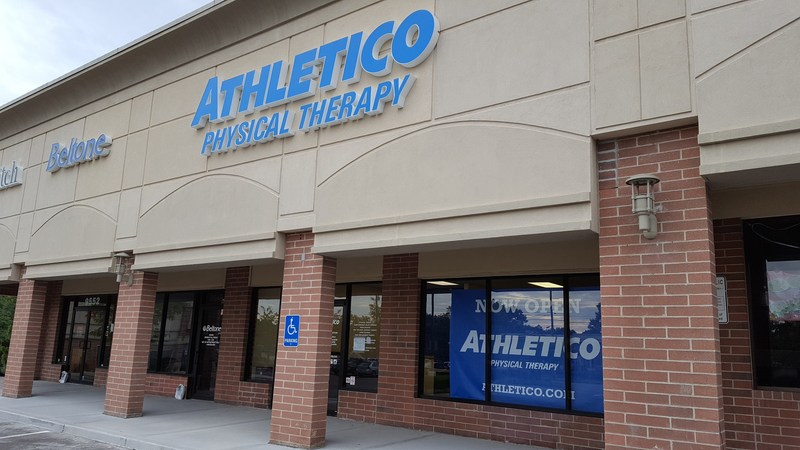 Athletico Overland Park is conveniently located in the same strip mall as Walgreens, across the street from HyVee.