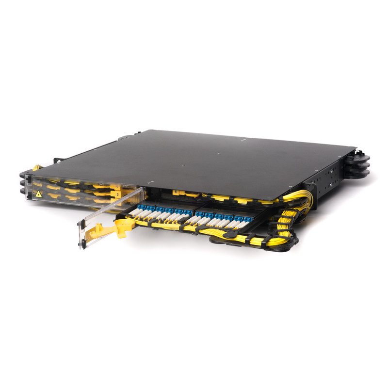 The C2LINX 1RU, designed for hyperscale networks, has superior cable management features that protects your fiber cable.