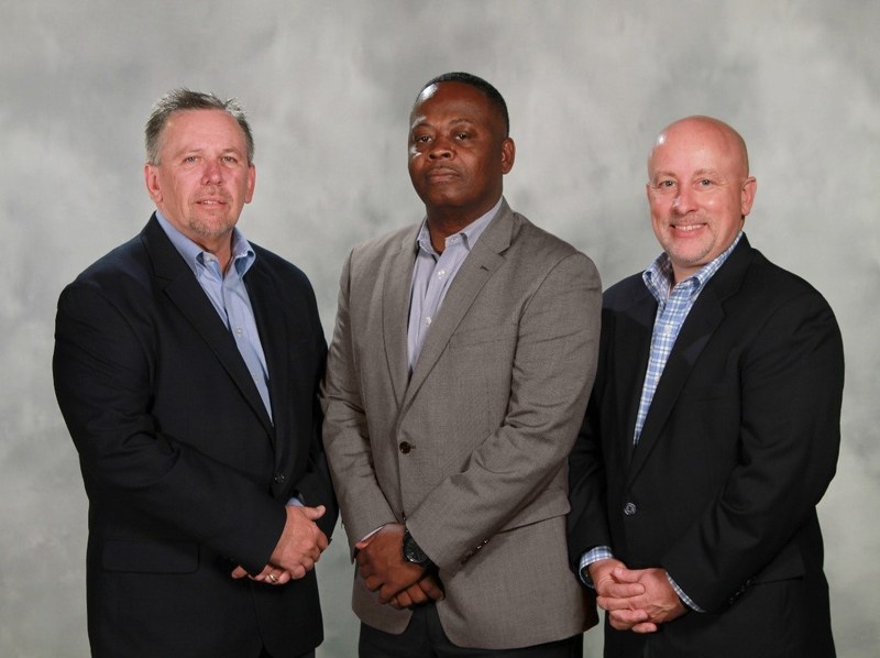 From left to right: Kennith Fries – CROSSMARK VP of Convenience, Terrence West – Ferrero Director, U.S. Convenience, and Jeff Neihart – CROSSMARK VP, General Manager