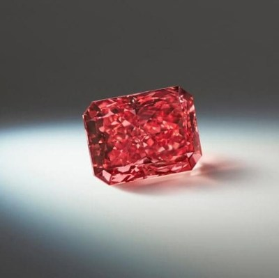 "Argyle Fancy Red ""Everglow"" (CNW Group/Paragon International Wealth Management Inc.)"