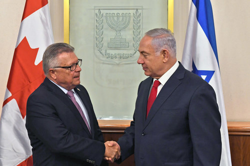 The Honourable Ralph Goodale, Minister of Public Safety and Emergency Preparedness, meets with Israeli Prime Minister Benjamin Netanyahu as part of his trip to Israel and the West Bank (CNW Group/Public Safety and Emergency Preparedness Canada)