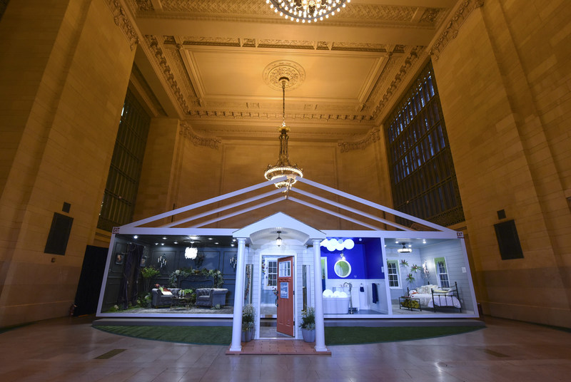 Behr Paint brings its 2018 Color Trends palette to life with an experiential Pop-Up Trend Home in the iconic Grand Central Terminal in New York.