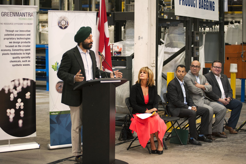 The Honourable Navdeep Bains, Minister of Innovation, Science and Economic Development, announces $15.5M in funding for six companies, including GreenMantra Technologies, through Sustainable Development Technology Canada (SDTC)