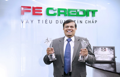 Mr Kalidas Ghose, CEO of FE CREDIT with the 'Best Consumer Finance Brand In Southeast Asia 2017' Award by Global Brands Magazine (GBM) (PRNewsfoto/Global Brands Publications Ltd)