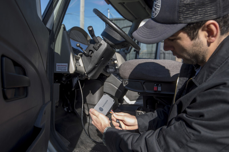 Installation of the ELD-compliant vehicle gateway takes less than 15 minutes.