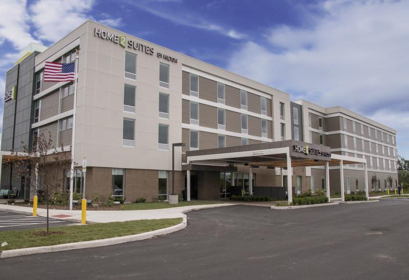 White Lodging is proud to announce the opening of the Home2 Suites by Hilton Mishawaka South Bend.  Designed for travelers who want to maintain their normal routine, the hotel features 126 suites and a range of value, tech-focused and eco-conscious amenities. Home2 Suites by Hilton Mishawaka South Bend offers a convenient extended-stay option for University of Notre Dame visitors just in time for the new school year.