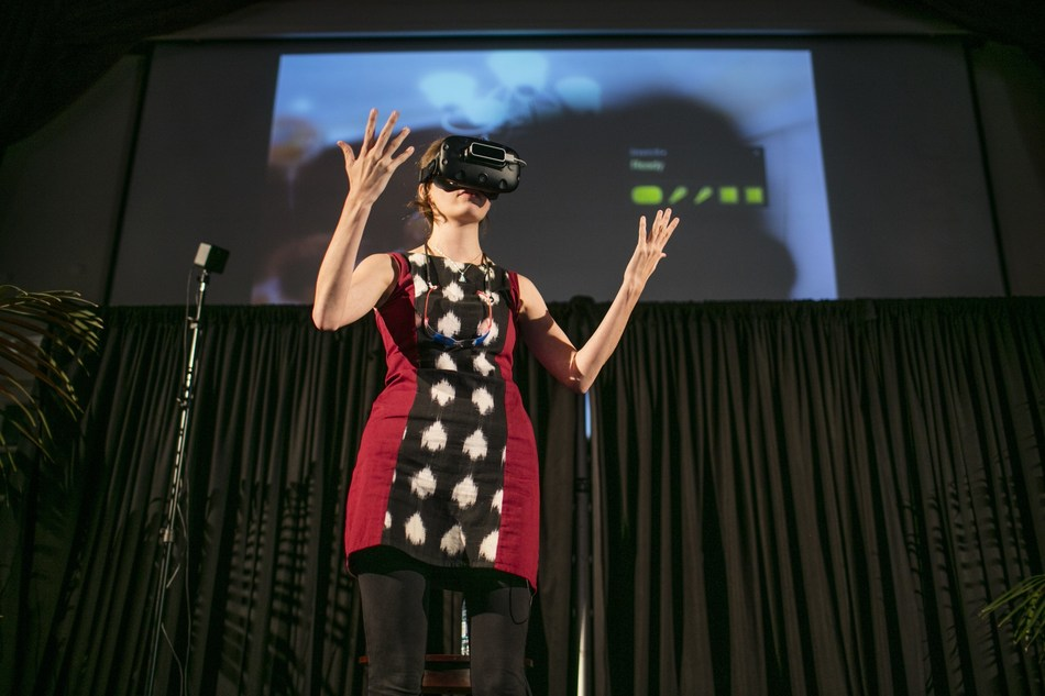The $10,000 grant winner of last year's USC Body Computing Competition, Carrie Shaw of Embodied Labs presents her team's winning Virtual Reality app.