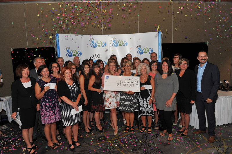 The lucky winners (CNW Group/Loto-Québec)