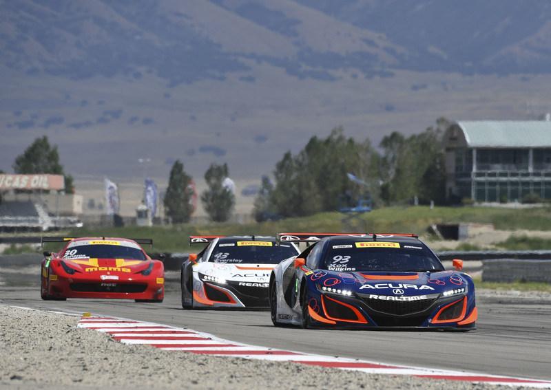 """""""Al frente del auto Acura NSX GT3 #93 del equipo RealTime Racing, Peter Kox y Mark Wilkins ganaron la carrera del sábado del Pirelli World Challenge en el Utah Motorsports Campus"""". (PRNewsfoto/Acura Motorsports)"""