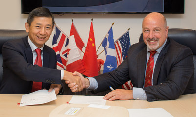 PROMETIC ET SHENZHEN ROYAL ASSET MANAGEMENT PROCÈDENT À LA CLÔTURE DE LA TRANSACTION POUR LA COENTREPRISE ET LES DROITS DE LICENCE POUR LE PBI-4050, LE PBI-4547 ET LE PBI-4425 EN CHINE Séance de signature avec M. Pierre Laurin, Président et chef de la direction de Prometic Sciences de la Vie et M. Yu Huang, fondateur et Président du conseil de Shenzhen Royal Asset Management. (Groupe CNW/ProMetic Sciences de la Vie Inc.)