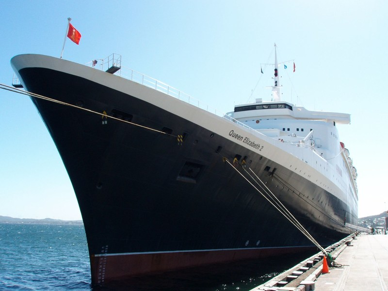 QE2 on her final world cruise in 2008 (Credit: Chris Frame and Rachelle Cross)