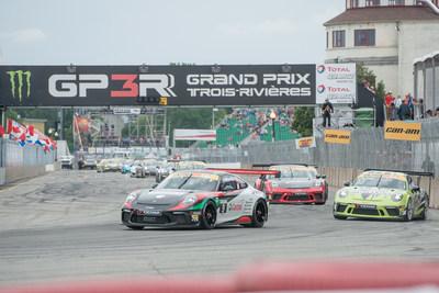 La série Ultra 94 Porsche GT3 Cup Challenge Canada présentée par Yokohama a fait un retour au plus vieux circuit urbain en Amérique du Nord dans le cadre du Grand Prix de Trois-Rivières. (Groupe CNW/Automobiles Porsche Canada)