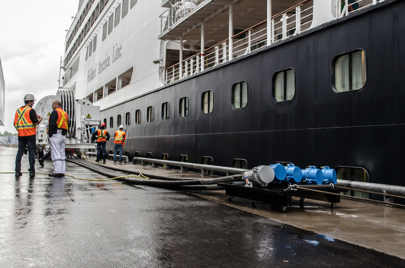 Schneider Electric showcases a shore power solution for cruise ships at the Port of Montreal (CNW Group/Schneider Electric)