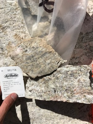 Grab sample from McVittie region (CNW Group/Rock Tech Lithium Inc.)