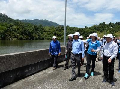 Site visit to the Sultan Azlan Shah Dam. From left: Dato' Ir. Mohd Yusof B. Mohd Isa, General Manager of Lembaga Air Perak (LAP), Ms. Eliane Van Doorn, Director Business Development UBM ASEAN and Dato' Teo Yen Hua, Advisor of UBM Water Series Events. (PRNewsfoto/UBM Asia (Malaysia))
