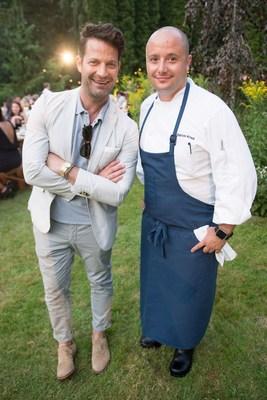 Le designer d'intérieur Nate Berkus et Patrick Kriss, chef du restaurant Alo se sont joints à Stella Artois dans le cadre de l'événement « Organiser un repas mémorable » (Groupe CNW/Stella Artois)