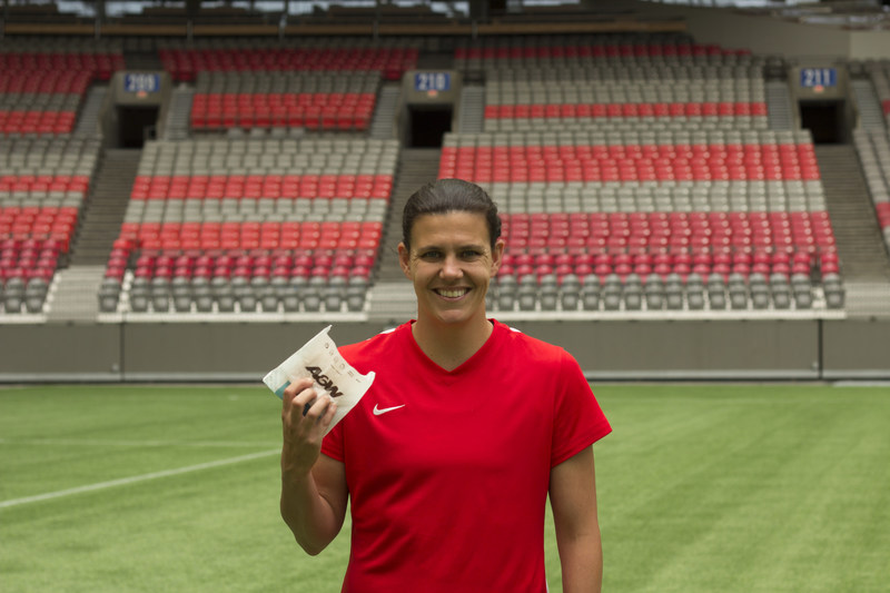 Burgers to Beat MS: On August 24th, soccer superstar Christine Sinclair is helping A&W Canada and the MS Society of Canada celebrate Burgers to Beat MS, a campaign to benefit Canadians living with MS. On this day, $2 from every Teen Burger® sold will be donated to help end MS. Since 2009, A&W has raised more than $9 million to support the MS community across Canada and world-class MS research. (CNW Group/A&W Food Services of Canada Inc.)