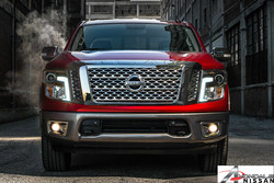 Phoenix area dealership highlights standard and available features on the 2017 Nissan Titan