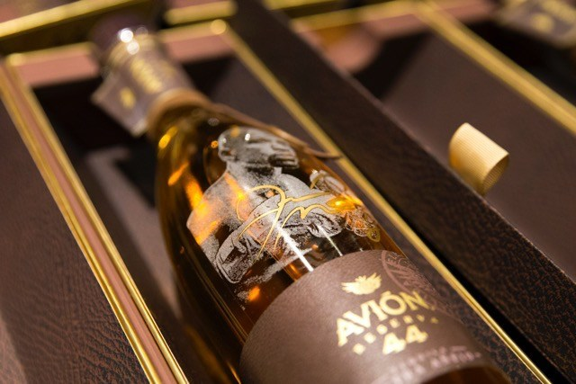 Tequila Avión Celebrates Floyd Mayweather Jr. With Limited Edition, Commemorative Bottle of Avión Reserva 44 Extra Añejo Tequila.