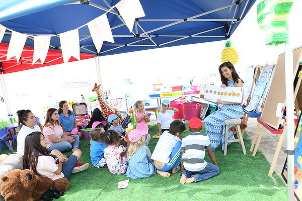 Shared Reading at Kinder Ready and Elementary Wise Camp (Photo Credit: Getty Images, Tasia Wells)