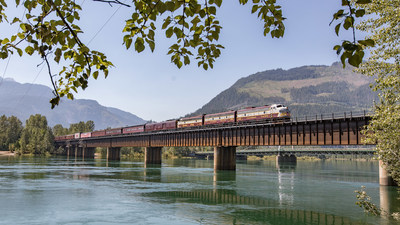Le train Canada 150 du CP traverse Revelstoke (C.-B.). (Groupe CNW/Canadien Pacifique)