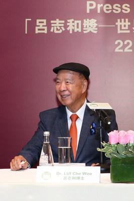 Dr. Lui Che Woo, Fundador y Presidente de la Junta Directiva del Consejo del Premio Extraordinario LUI Che Woo
