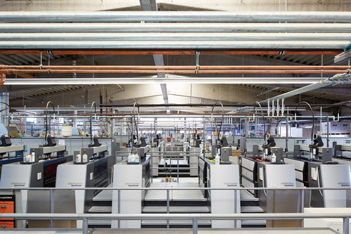 Offset printing presses at Onlineprinters / A view of the printing machinery of Onlineprinters at the site in Neustadt an der Aisch. The fleet comprises offset printing presses with 121 printing units in total. Copyright: Onlineprinters GmbH (PRNewsfoto/Onlineprinters GmbH)