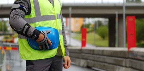 Strength enhancing glove from Bioservo (PRNewsfoto/Bioservo Technologies)