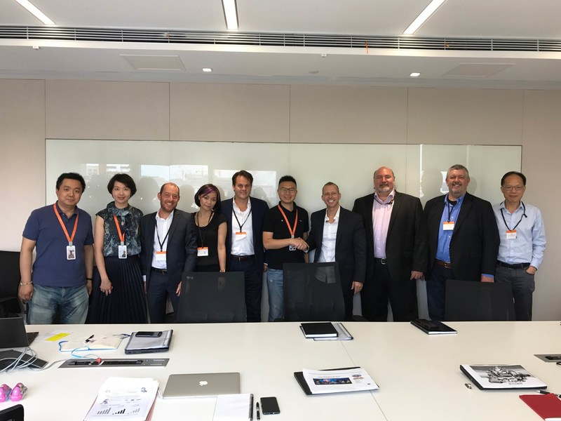 Alibaba Tmall hosts Spin Master executive leadership at Alibaba Group Corporate Campus. (CNW Group/Spin Master)