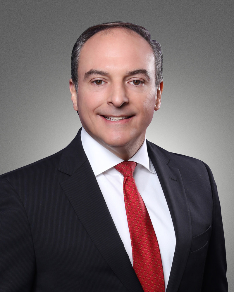 Professional Bank's New Executive Vice President and Director of Residential Lending Luis Mechoso