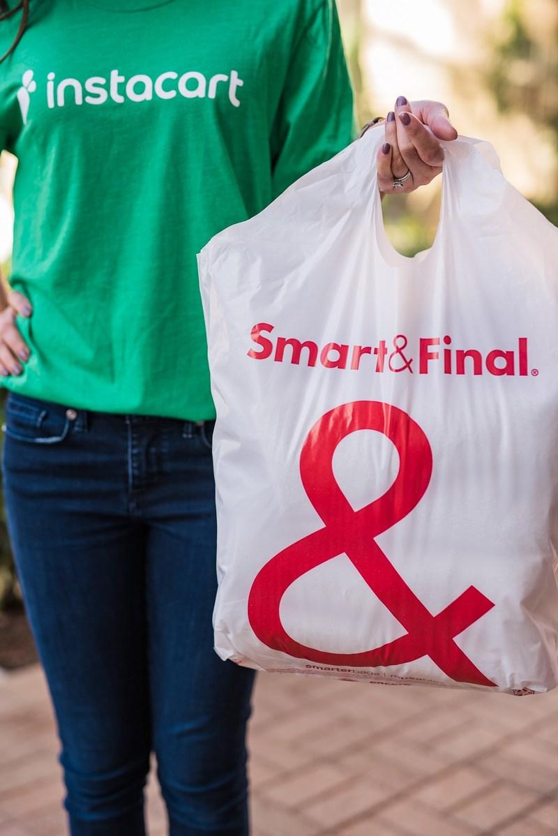 (PRNewsfoto/Smart & Final Stores, Inc.)
