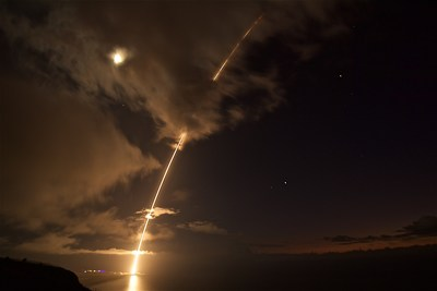 A medium-range ballistic missile target is launched from the Pacific Missile Range Facility on Kauai, Hawaii, during Flight Test Standard Missile-27 Event 2 (FTM-27 E2) on Aug. 29 (HST). The target was successfully intercepted by SM-6 missiles fired from the USS John Paul Jones (DDG 53).