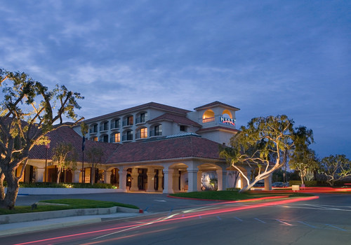 Dimension Development announces the addition of the Hyatt Regency Westlake to its growing portfolio. This is their 3rd hotel in the Hyatt family, and 59th hotel overall. Located in Westlake, CA between Los Angeles and Santa Barbara, The Hyatt Regency Westlake is minutes from the scenic beaches of Malibu and Santa Monica mountains. The Mediterranean style hotel features 263 guestrooms, restaurant & lounge, over 25,000 sq.ft. of function space and cascading waterfalls and outdoor gazebo.