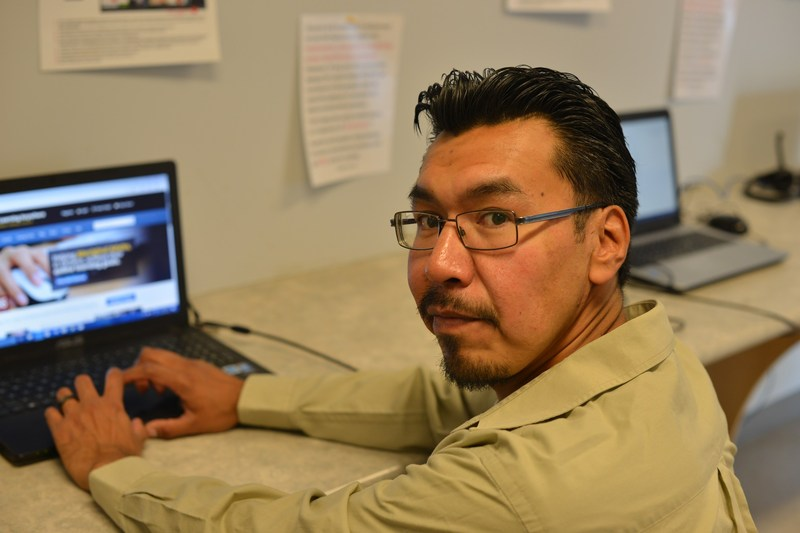 Joshane Fiddler, online learner, Sandy Lake First Nation (CNW Group/Contact North)