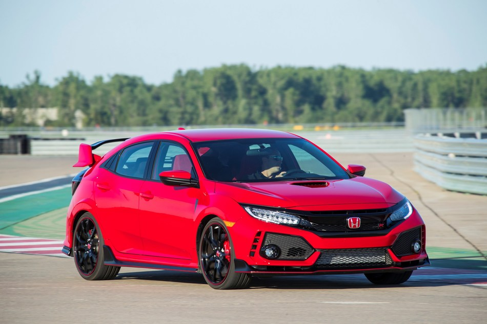 The 2017 Honda Civic Type R, along with other sporty variants, helped Civic to an 11.2 percent sales increase in August.