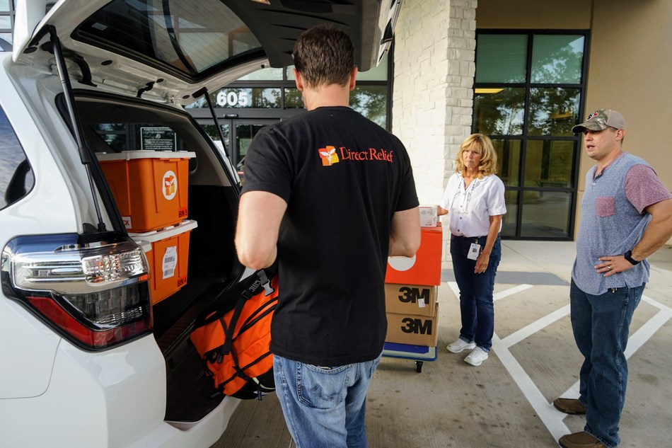 Direct Relief staff delivering emergency medical supplies to a Texas Health Center caring for evacuees and patients affected by Hurricane Harvey and catastrophic flooding it caused. Direct Relief has delivered more than 60 emergency shipments to Texas health centers and clinics since Hurricane Harvey made landfall last week.