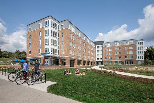 EdR and Shepherd University recently opened a brand new 298-bed residence hall on the Shepherd University campus.