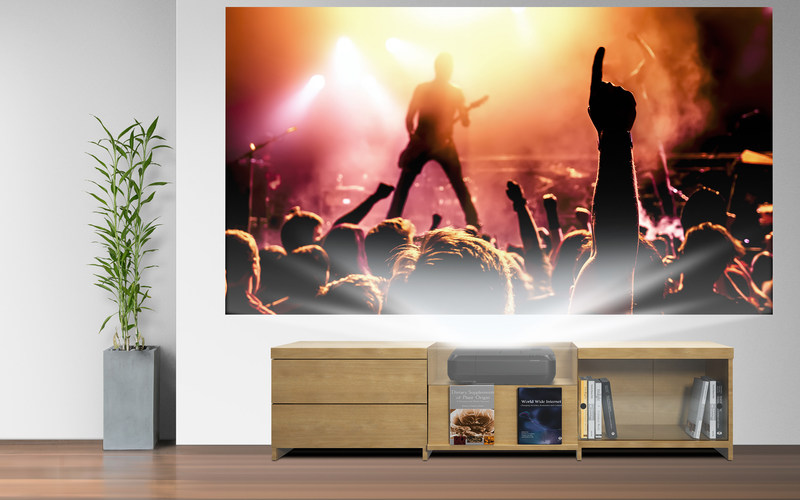 The new Epson Home Cinema LS100 delivers an ultra short-throw entertainment solution that blends seamlessly into any décor.