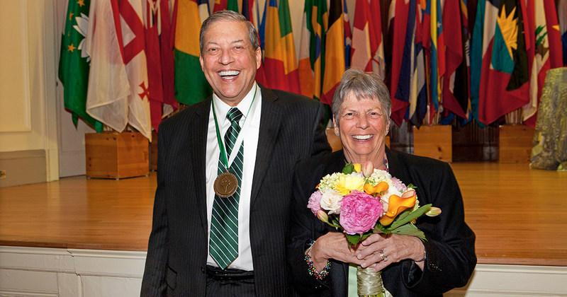 Babson College alumnus Robert (Bob) Weissman '64, H'94, P'87 '90 and his wife, Jan Weissman P'87 '90