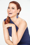Debra Messing to Receive 2018 GEM Award for Jewelry Style