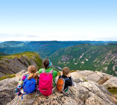 La Journée des parcs est l'occasion d'apprécier sans frais la beauté des territoires protégés québécois, comme ce paysage magnifique du Parc national des Hautes-Gorges-de-la-rivière-Malbaie (Groupe CNW/Société des établissements de plein air du Québec)