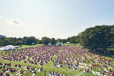 adidas et Wanderlust décrochent le titre GUINNESS WORLD RECORDS pour le plus grand nombre de personnes faisant du yoga par paire -- 10 septembre 2017 -- photo aérienne