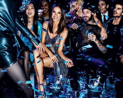 「時尚女王」Alessandra Ambrosio與奢華伏特加詩珞珂共迎新一季時尚潮流