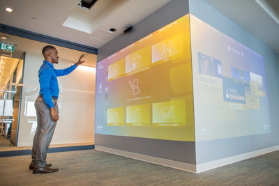 Integrated and innovative technology can be found throughout One York, such as an interactive wall to scroll through local and global news, social media, entertainment and more. (CNW Group/Sun Life Financial Inc.)