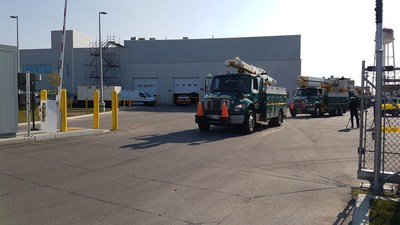 Toronto Hydro crews departed their Etobicoke facility this morning bound for Tampa, Florida. (CNW Group/Toronto Hydro Corporation)