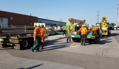 Toronto Hydro crews loaded up 15 vehicles to take to Tampa, Florida to help restore power following Hurricane Irma. (CNW Group/Toronto Hydro Corporation)
