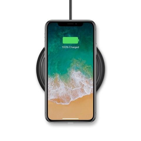 La base de carga inalámbrica mophie ofrece una experiencia de carga rápida y sencilla para iPhone 8, iPhone 8 Plus y iPhone X (PRNewsfoto/mophie)