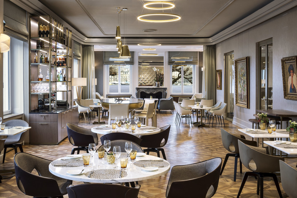 69 living room bar and kitchen geneva menu the ritz carlton brings its legendary luxury. Black Bedroom Furniture Sets. Home Design Ideas