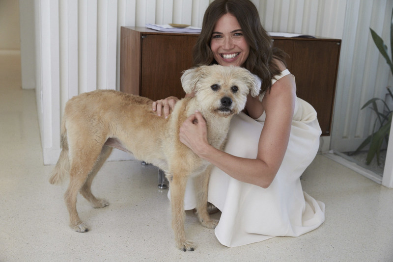 Mandy Moore on set with Garnier and her dog Joni